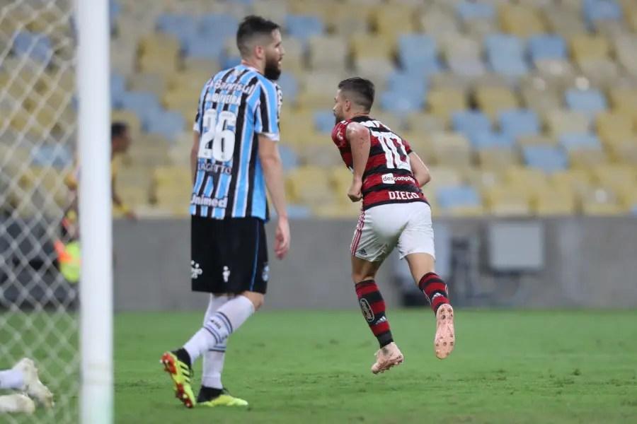 Como mandante, Fla ganhou 10 vezes o Grêmio na era dos pontos corridos; 15 confrontos