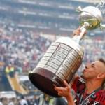 2009x2013x2019: Rafinha vence Léo Moura, e é eleito o melhor lateral-direito dos últimos anos do Flamengo