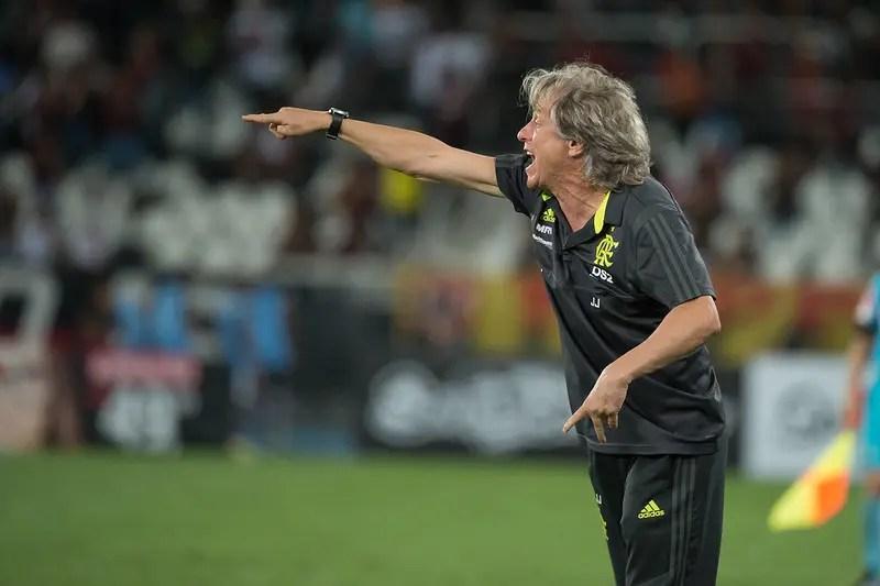 Jorge Jesus faz promessa, rasga elogios a Gabigol, alfineta treinadores que o criticaram e convoca torcida contra o Avaí