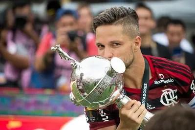 Redenção! Diego vira a página e finalmente faz história no Flamengo