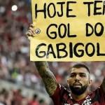"""Coordenador da CBF veta abraços em comemoração e diz: """"Hoje tem gol do Gabigol, dancinha, isso não vai existir"""""""