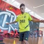 'A favela venceu', diz Michael em entrevista à FLA TV