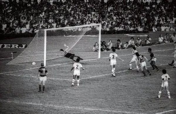 12/05/1983: 37 anos de Flamengo 3×0 Athlético-PR