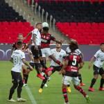Flamengo perde na estreia; Léo Pereira é eleito o pior em campo