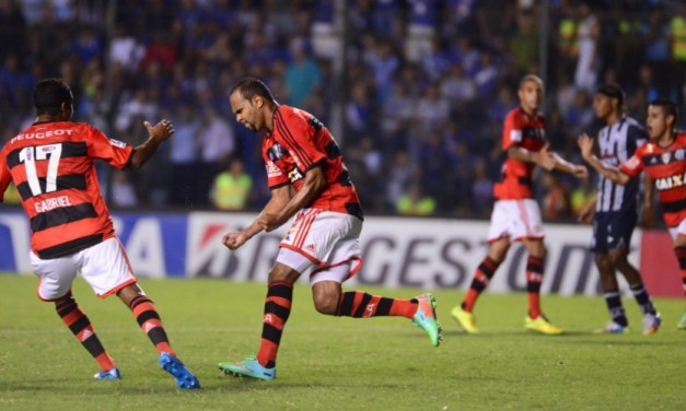 Cinco jogos e duas vitórias do Flamengo: relembre outros jogos no Equador pela Libertadores