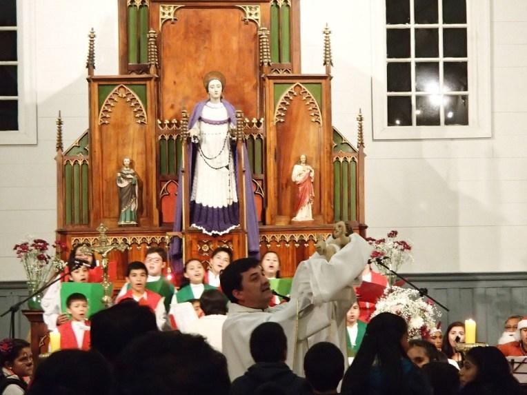 Missa de natal em Dalcahue, Chile