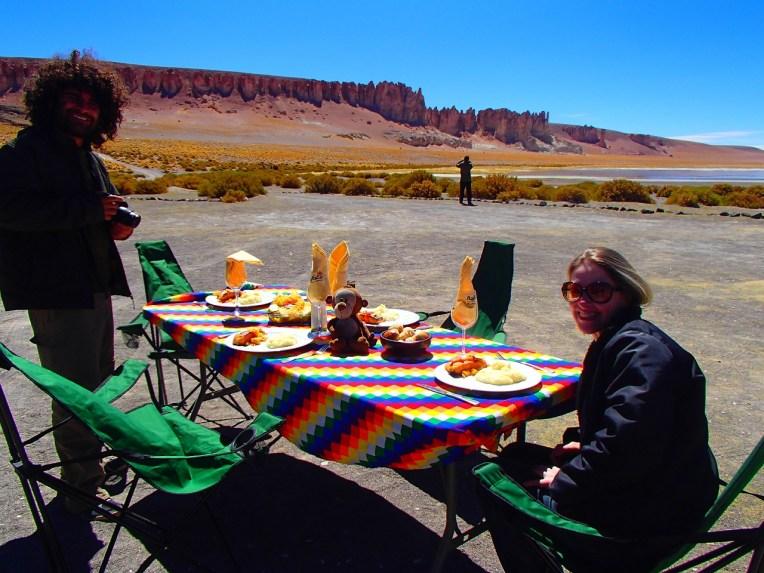 Almoçando no Salar de Tara