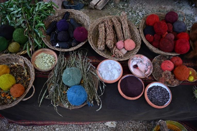 Artigos para fazer artesanato no Vale Sagrado dos Incas