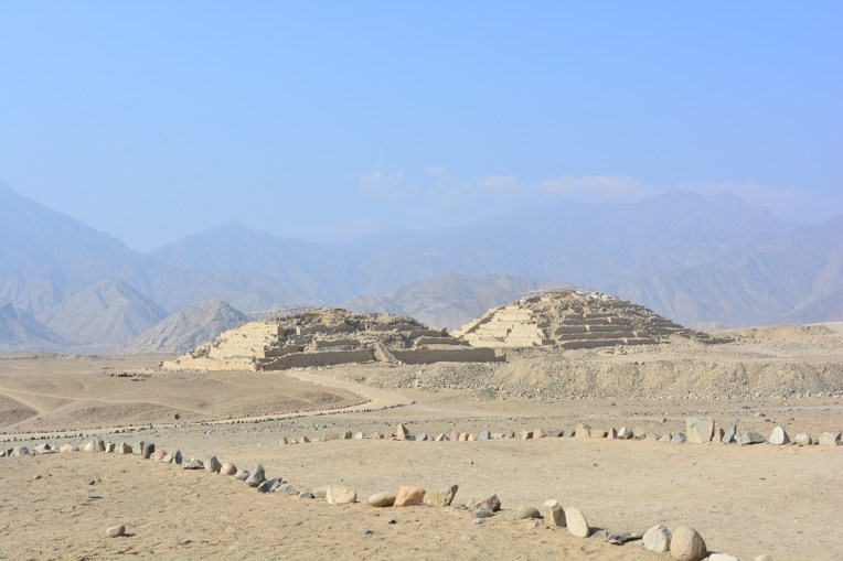 Algumas pirâmides de Caral