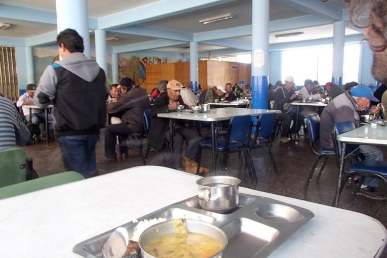 Restaurante popular em Cusco. Praticamente não se vê turistas por aqui.