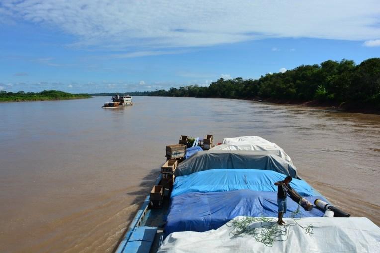 Viajando pelo rio Maranhão, rumo a Iquitos