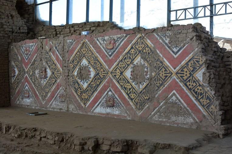 Arte nas paredes da Huaca de la Luna