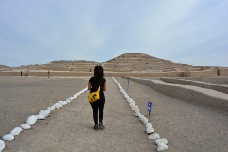 Pirâmide no deserto de Nasca