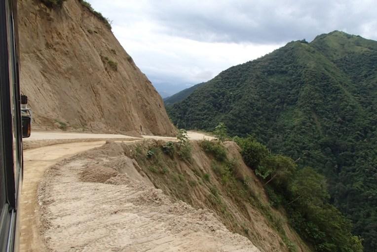 Estrada de La Balsa a Zumba