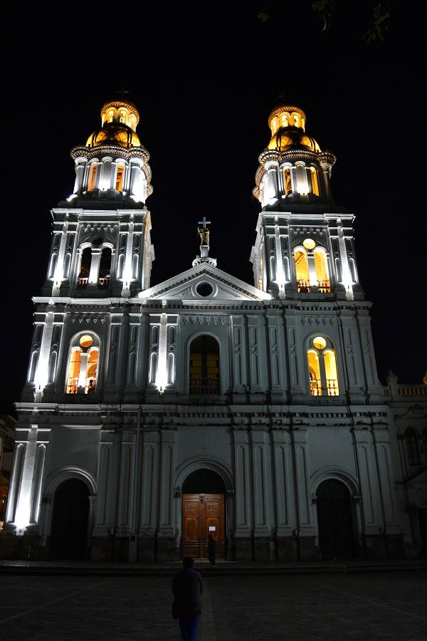 Cuenca pela noite