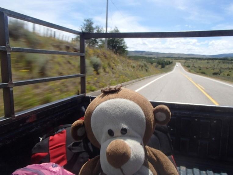 Mucuvinha na caçamba de uma caminhonete: a maneira mais divertida - e econômica - para viajar pela Patagônia.