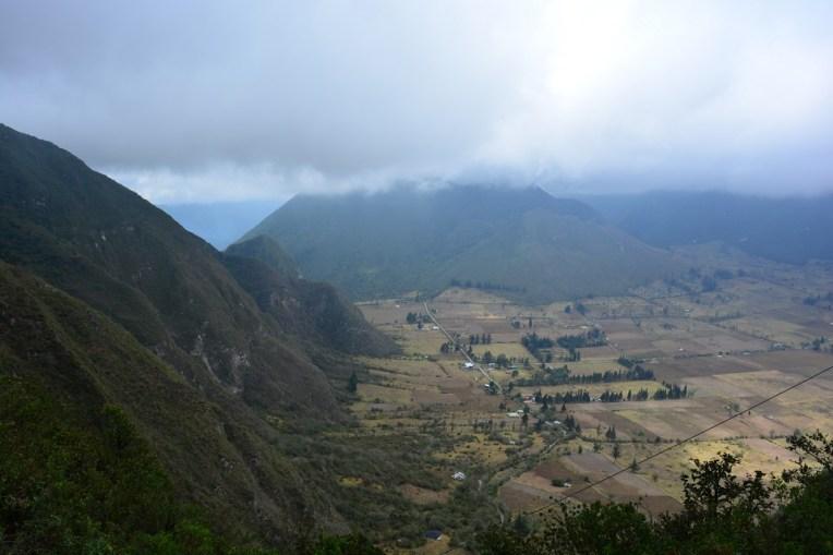 Pululahua - a cratera de um vulcão ativo que abriga uma pequena cidade