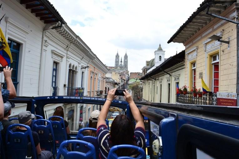 Ônibus turístico em Quito