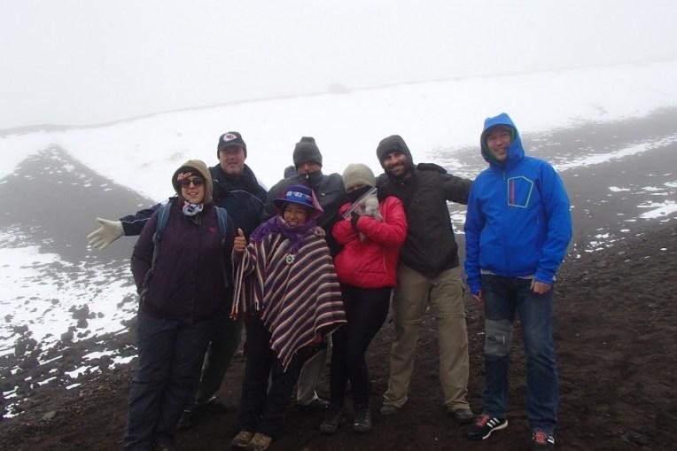Nosso grupo e, na frente, Paulina, nossa guia local do Cotopaxi