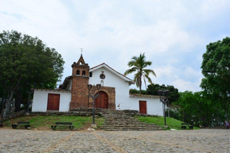 Pequena capela de San Antonio, em Cali