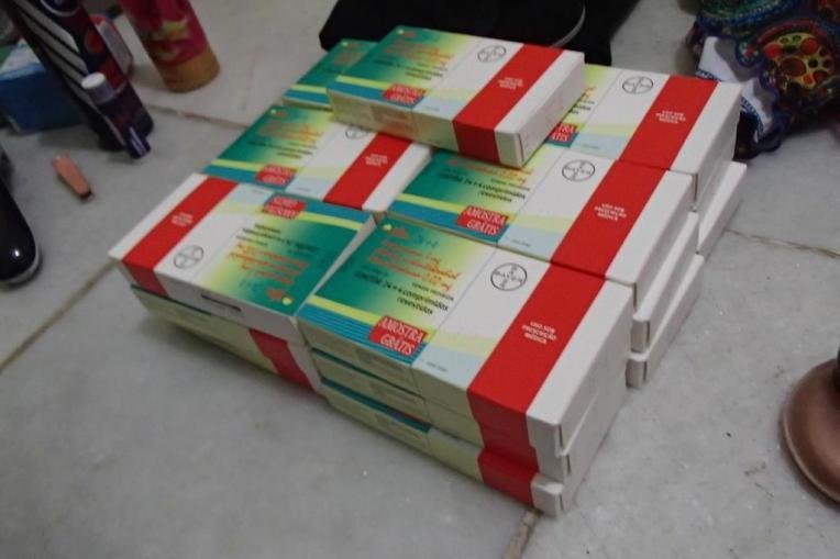 Caixas e mais caixas de anti-concepcionais.