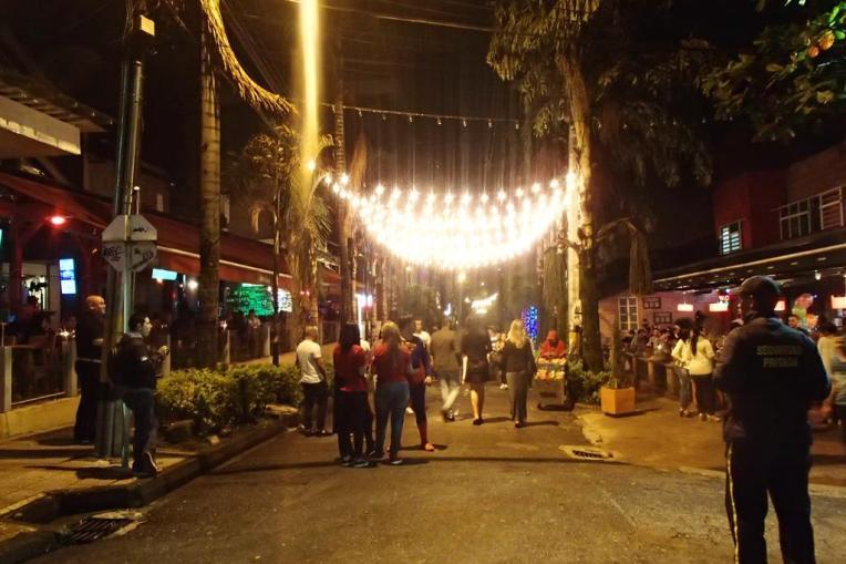 Noite no parque Las Lleras