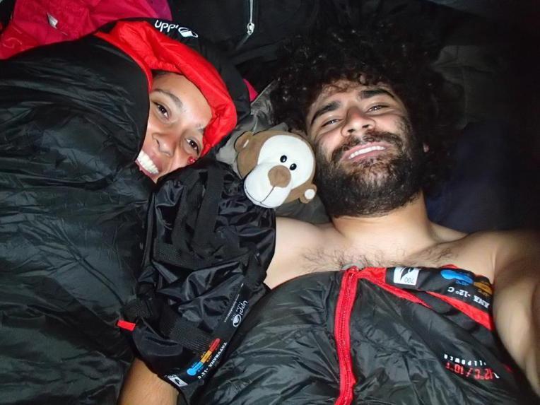 Quentinhos, com nossos novos sacos de dormir!