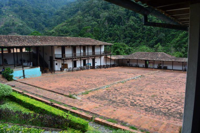 Antiga casa que cultivava café, convertida em museu e universidade
