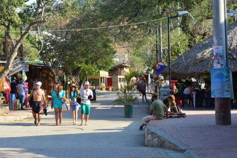 Avenida principal de Taganga