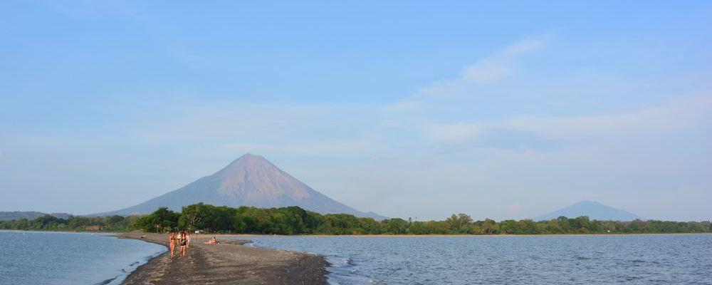 Os dois vulcões da ilha Ometepe, vista da Punta Jesús María
