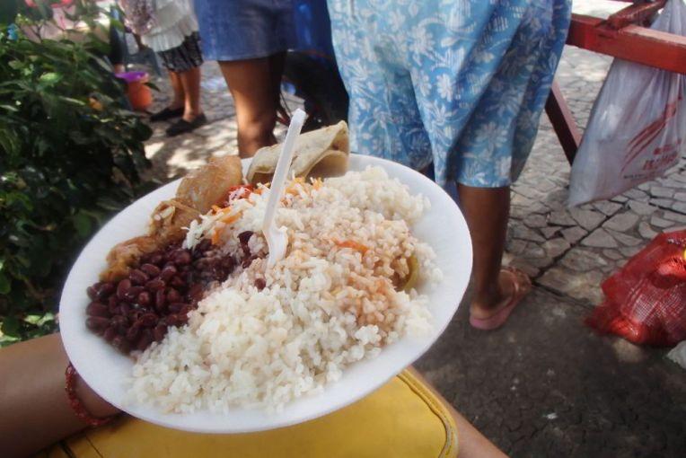 Típica comida de rua vendida na Nicarágua