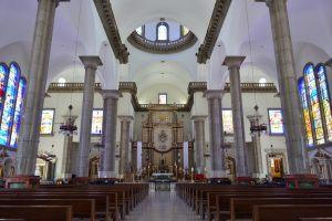 Interior da Basílica de Suyapa, Tegucigalpa
