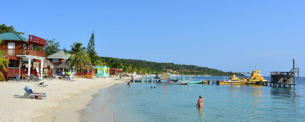 West Bay, Roatán