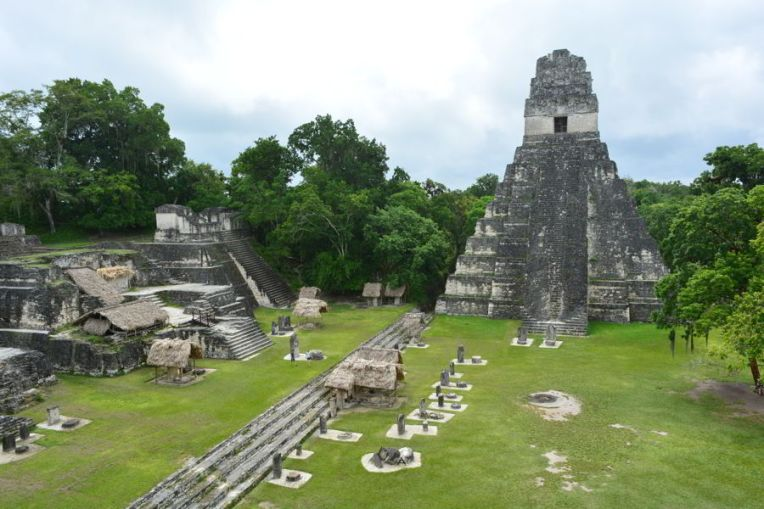 A Praça Central de Tikal