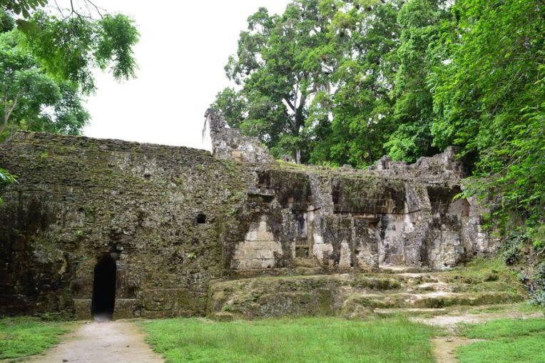 Ruínas residenciais de Tikal