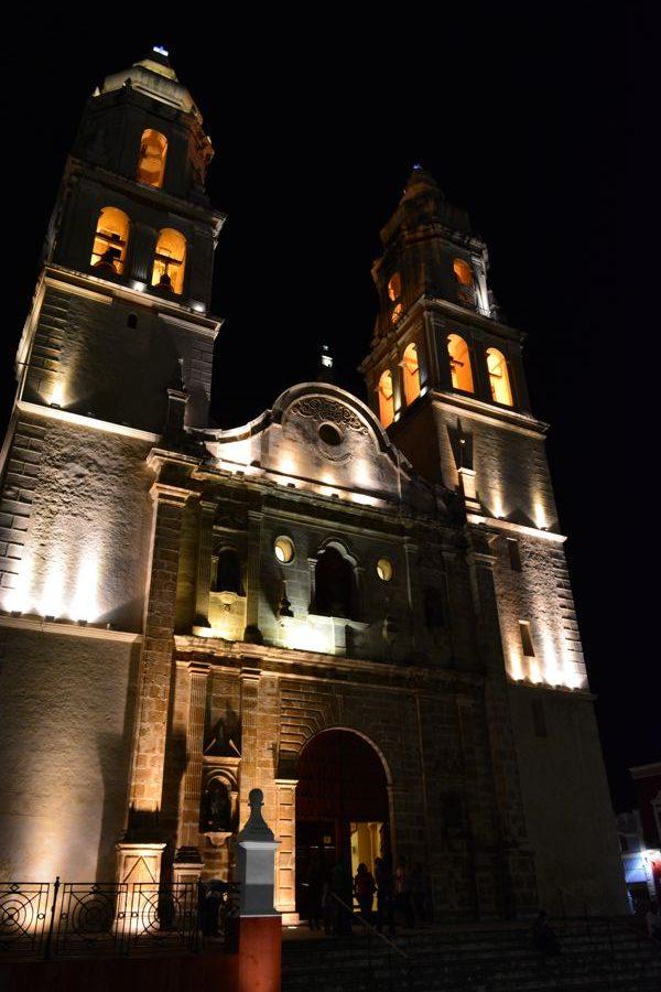Catedral de Campeche pela noite