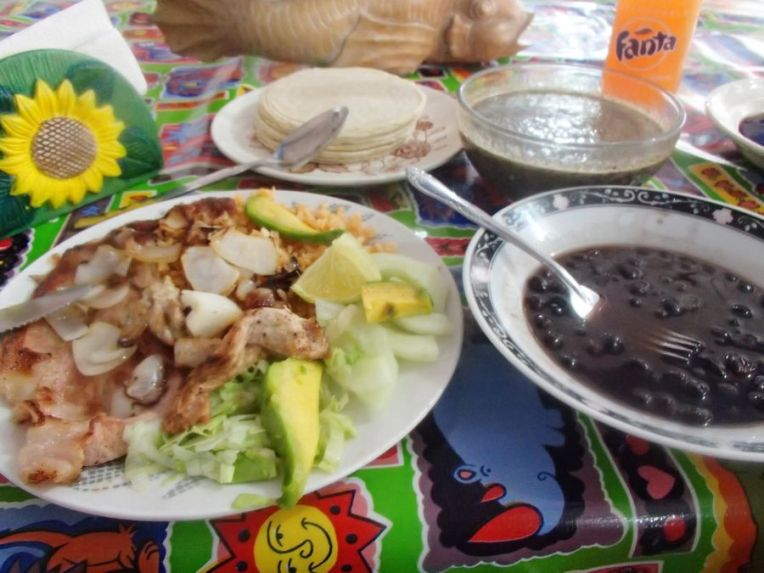 Almoçando no mercado de Mérida