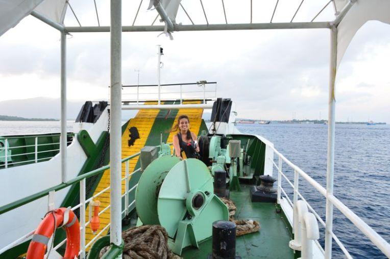 Chegando a Bali de ferry