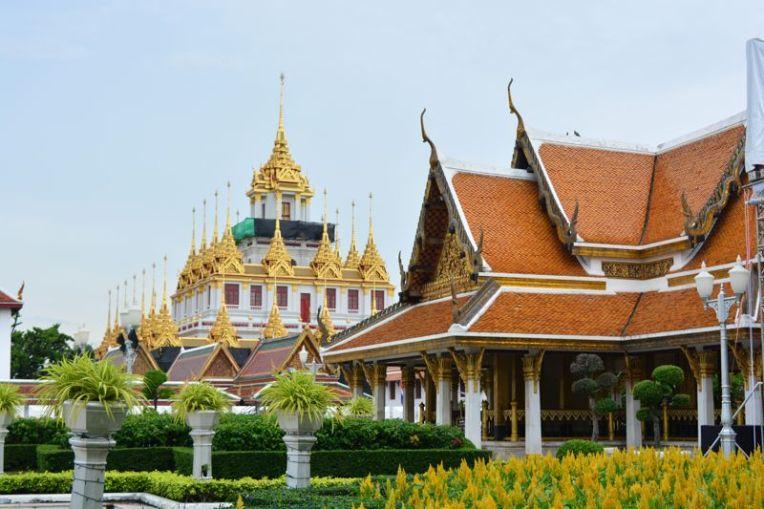 Um dos inúmeros templos de Bangkok