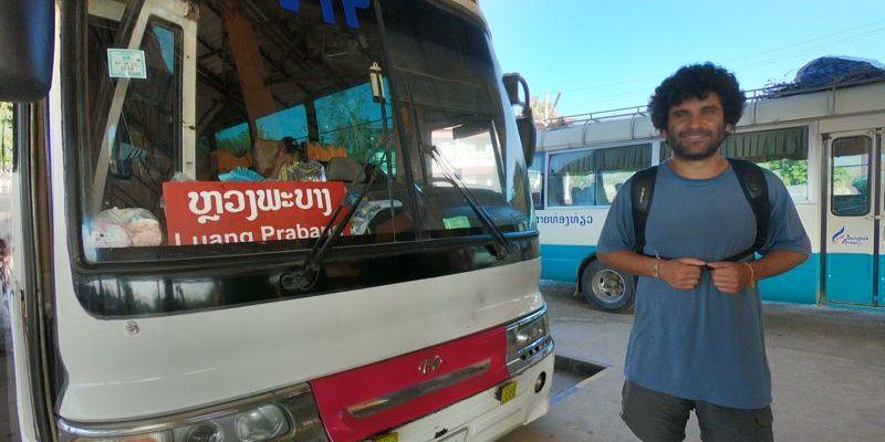Ônibus da fronteira para Luang Prabang