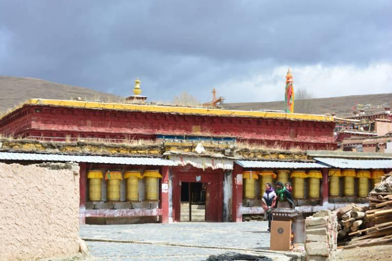 Templo típico do Tibete chinês