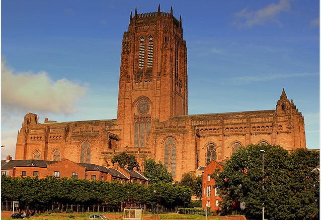 Top 10 maiores templos cristãos do mundo - Catedral de Liverpool