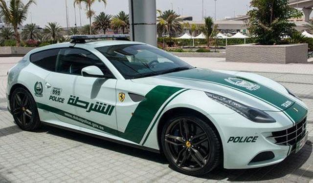 Top 10 carros de polícia mais caros do mundo - Ferrari FF