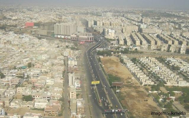 Top 10 maiores cidades do mundo - Carachi