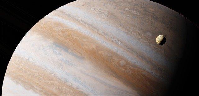 Maior Lua do Sistema Solar