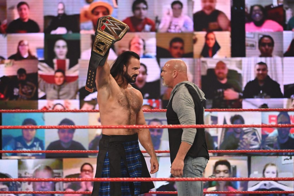 Goldber y Drew McIntyre en Raw