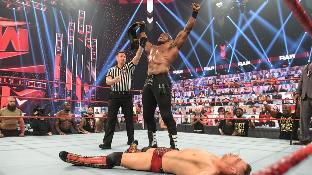 Bobby Lashley tras ganar en Raw