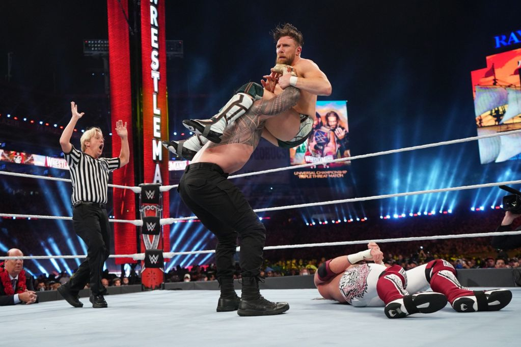 Roman Reigns, Daniel Bryan y Edge