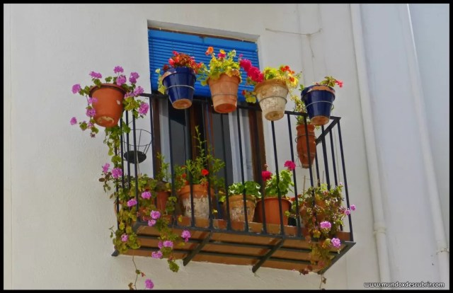 balcón con flores