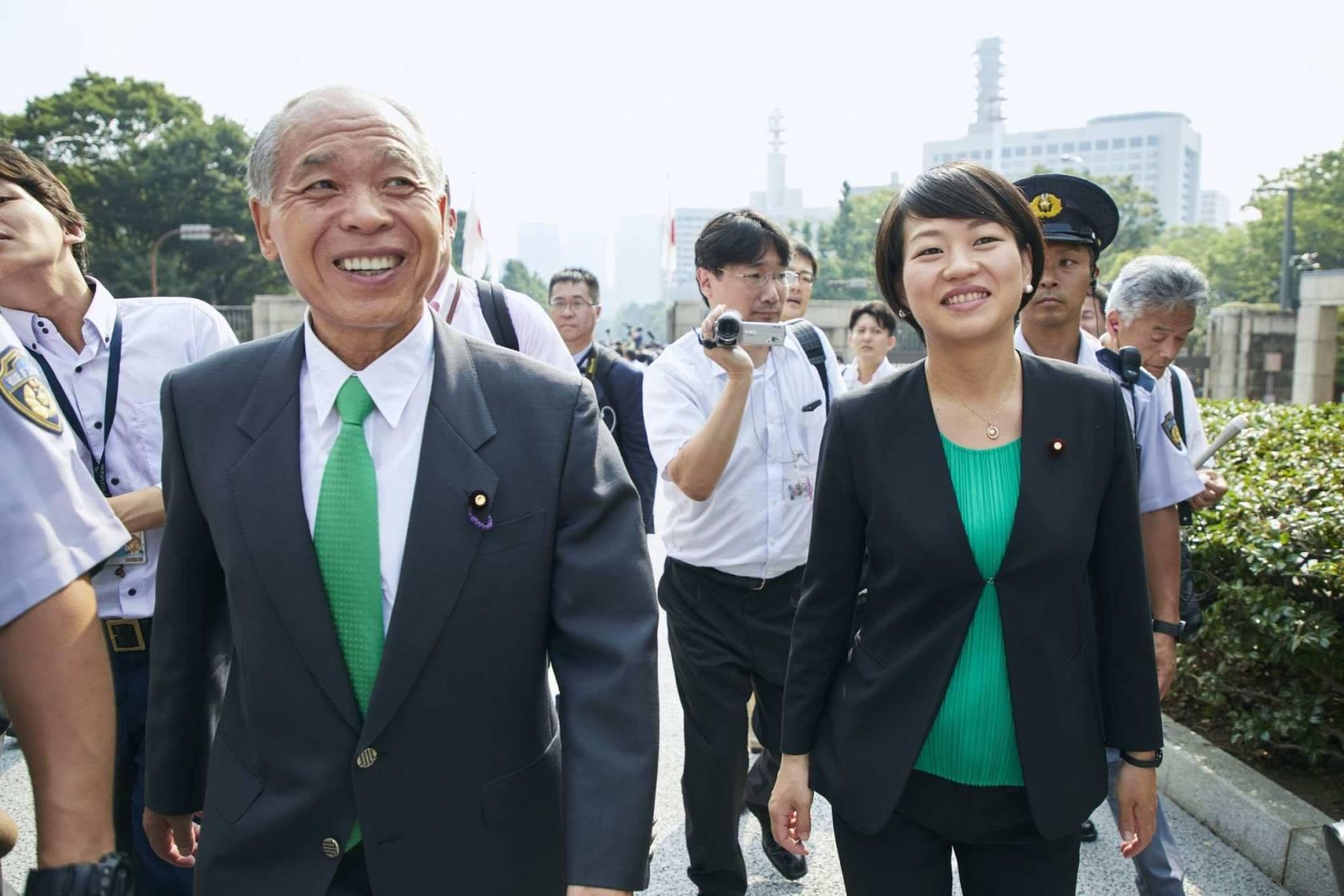 鈴木宗男氏「夢だった」長女貴子氏と親子登院